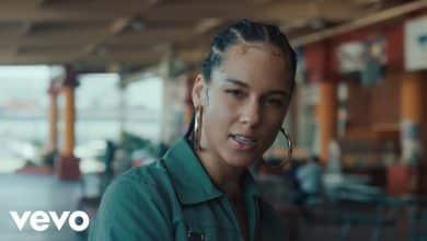 Photo of Alicia Keys – Underdog